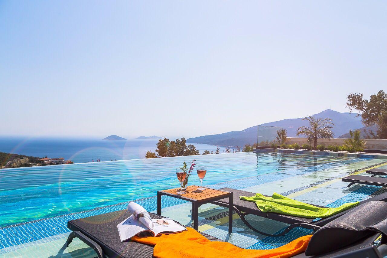 Kalkan Antalya'da Lüks Kiralık Villa ve Apartlar